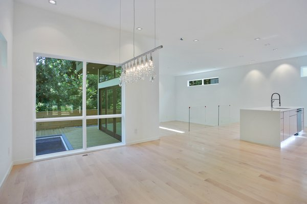 Interior of property showcasing minimal design and clean easthetics Photo 2 of 908 Kings Court modern home