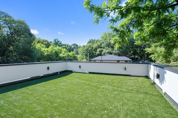 Magnificent views Photo 8 of 908 Kings Court modern home