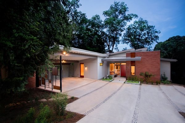 Athens Design Economy Credits  Architect: Bork Design, Inc. Interior Design: Bork Design, Inc. Contractor: Michael Songster Construction Lanscape Design: Jeremy Friedman Photo  of Swagger-Marlowe modern home