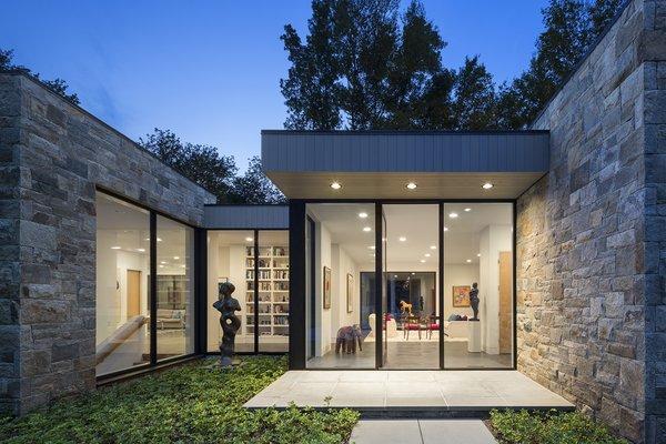 Art House 2.0 Exterior: Main Entrance with Sculpture Garden Photo 2 of Art House 2.0 modern home