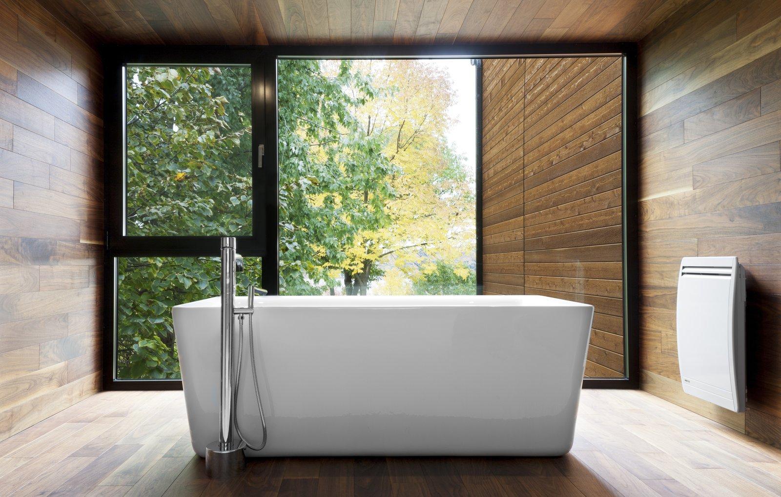 Bathroom at Rue de l'Anse residence - PARKA Architecture & Design - Quebec city, Canada  Rue de l'Anse residence by PARKA - Architecture & Design