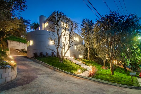 Photo  of 940 Burleigh Drive, Giang Hoang 2017 modern home