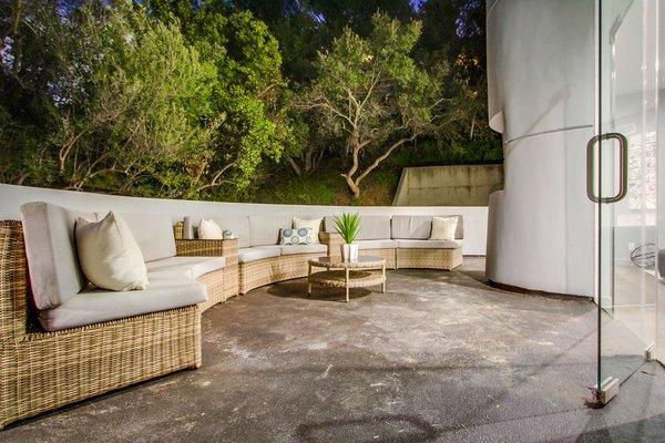 Photo 7 of 940 Burleigh Drive, Giang Hoang 2017 modern home