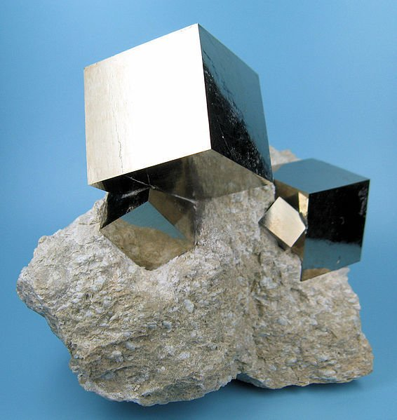 Pyrite crystal inspiration Photo 9 of Pyrite House modern home