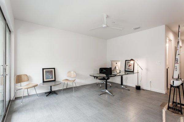 Office. Photo 4 of LIV233 modern home