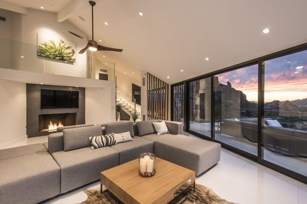 Hi-Lob Residence | Nuria Pla Studio Photo 9 of Hi-Lob Residence modern home