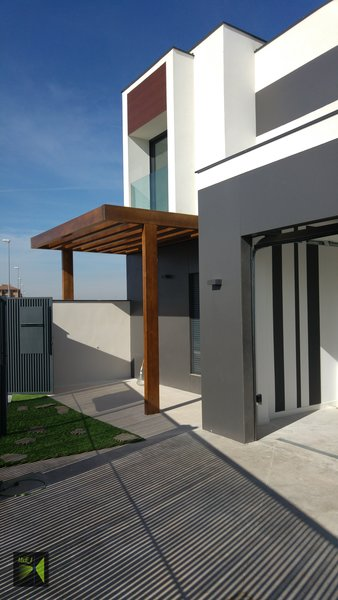 Acceso Photo 4 of Casa Herranz modern home