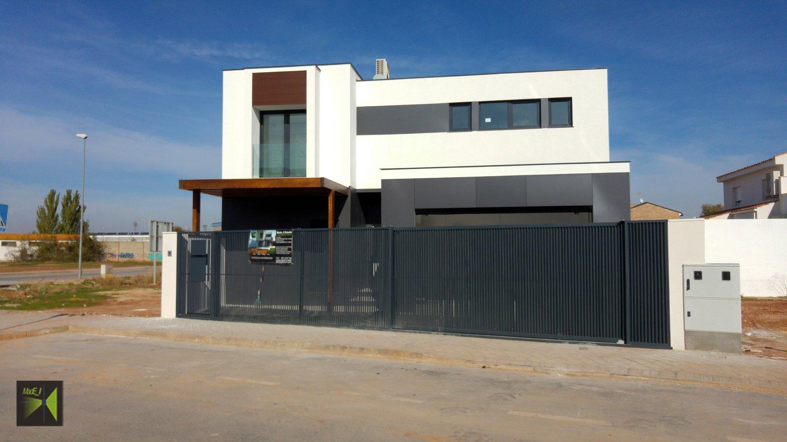 Fachada  Casa Herranz by Jose Enrique Leo Lopez