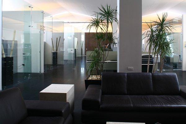 Pavisa - Work+ Photo  of Pavisa modern home