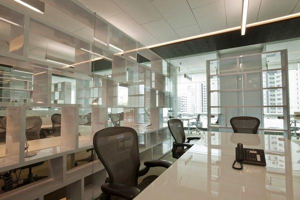 Fusión Corporativa  - Work+ Photo 13 of Fusión Corporativa modern home