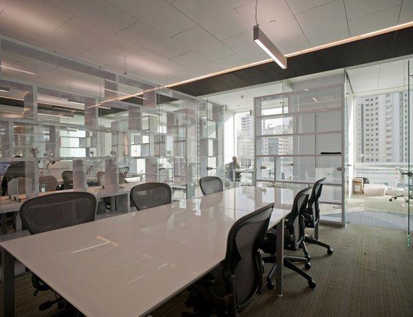Fusión Corporativa  - Work+ Photo 9 of Fusión Corporativa modern home