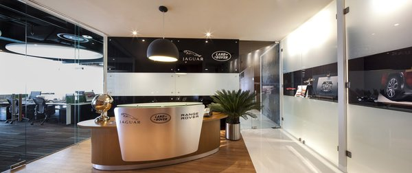 Corporativo Jaguar Land - Rover - Work+ Photo  of Corporativo Jaguar Land - Rover modern home