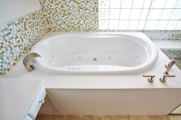 Master Bathroom Tub Photo 2 of Wang House modern home