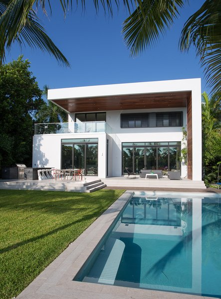 Photo  of 475 Golden Beach modern home
