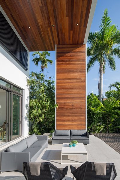 Photo 3 of 475 Golden Beach modern home