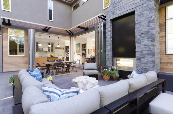 Outdoor amenity space Photo 8 of Hawthorne Residence modern home