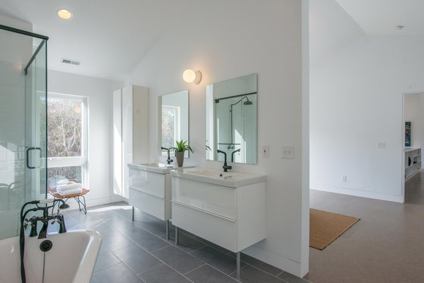 Photo 6 of B1 House modern home