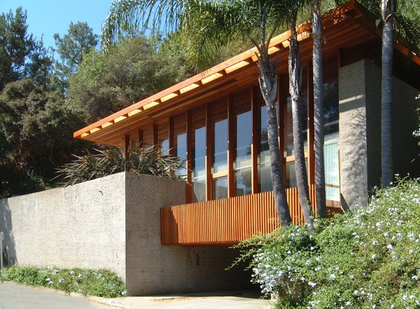 Photo  of Hillside House modern home