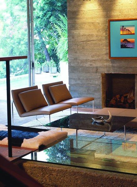 Photo 4 of Hillside House modern home