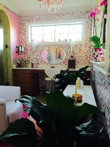 Photo  of Pink Glitter Glass Tile En Suite modern home