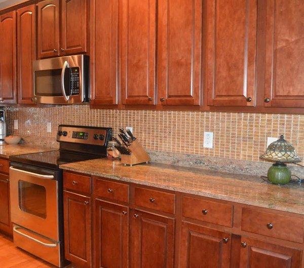 Photo  of North Carolina Residence: Kitchen Backsplash modern home
