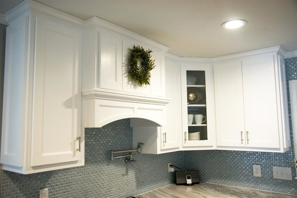 Photo 12 of South Carolina Residence: Milk Glass Backsplash modern home