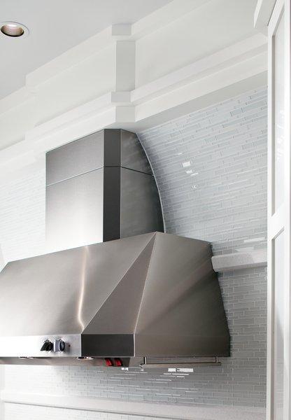 Photo 11 of GE White Kitchen modern home