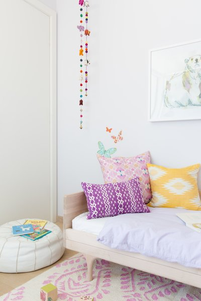 Kids bedroom featuring Serena and Lily rug and Kalon Studios daybed Photo 6 of Laurel Heights Residence modern home