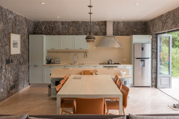 Photo 10 of MOZOQUILA HOUSE modern home