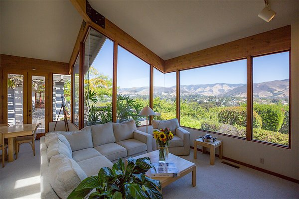 Traditional Meets Mid-Century on the Central Coast Photo 2 of The Dettmer House - 2 Acres in Downtown modern home