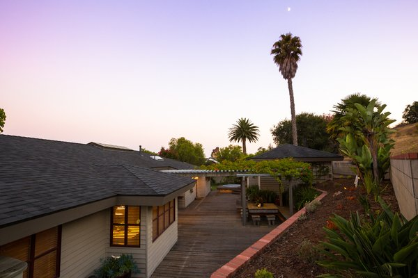 Lush California Landscape Photo 4 of The Dettmer House - 2 Acres in Downtown modern home