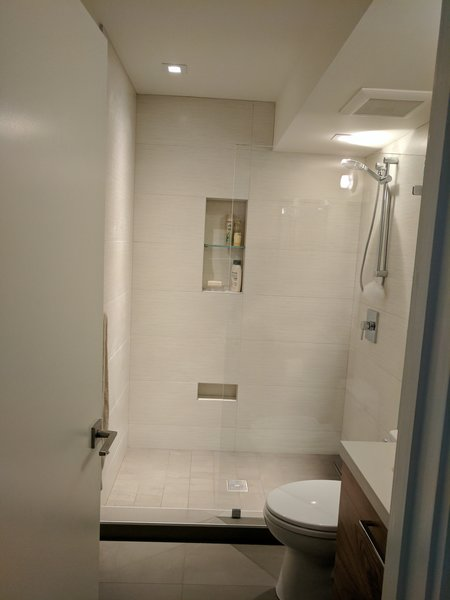 Modern home with bath room. Photo 7 of Glen Park