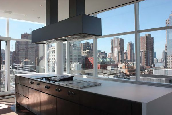 Modern home with kitchen. Photo 4 of Downtown Penthouse
