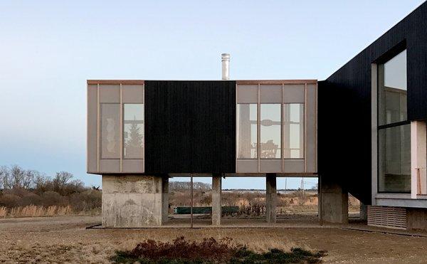 Living Room Photo 4 of Orient House V modern home