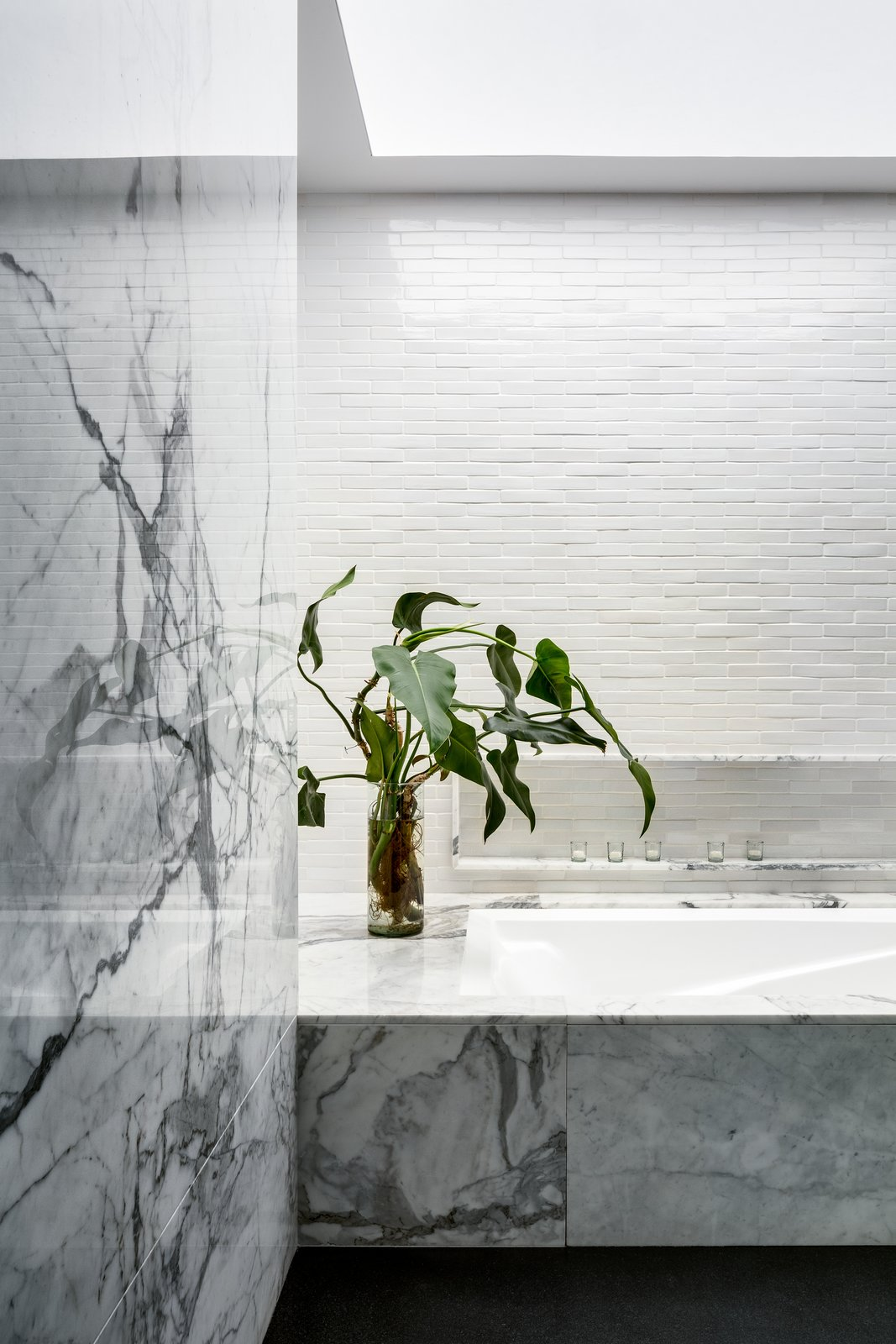 Tagged: Bath Room, Marble Counter, Stone Tile Wall, and Marble Wall.  Monte Parnaso House by vgz arquitectura y diseño