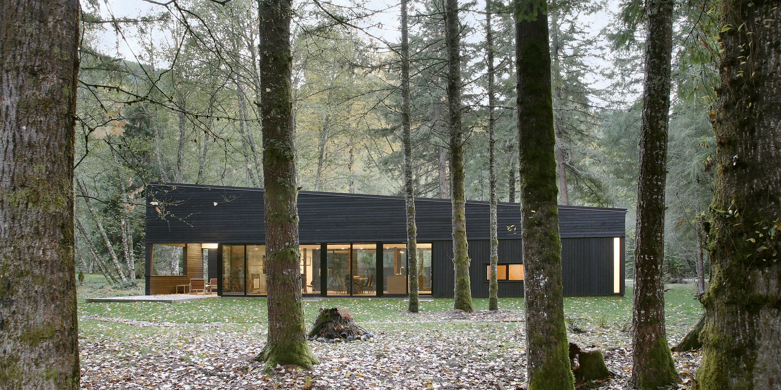 Tagged: Outdoor and Woodland.  Courtyard House on a River by Robert Hutchison Architecture