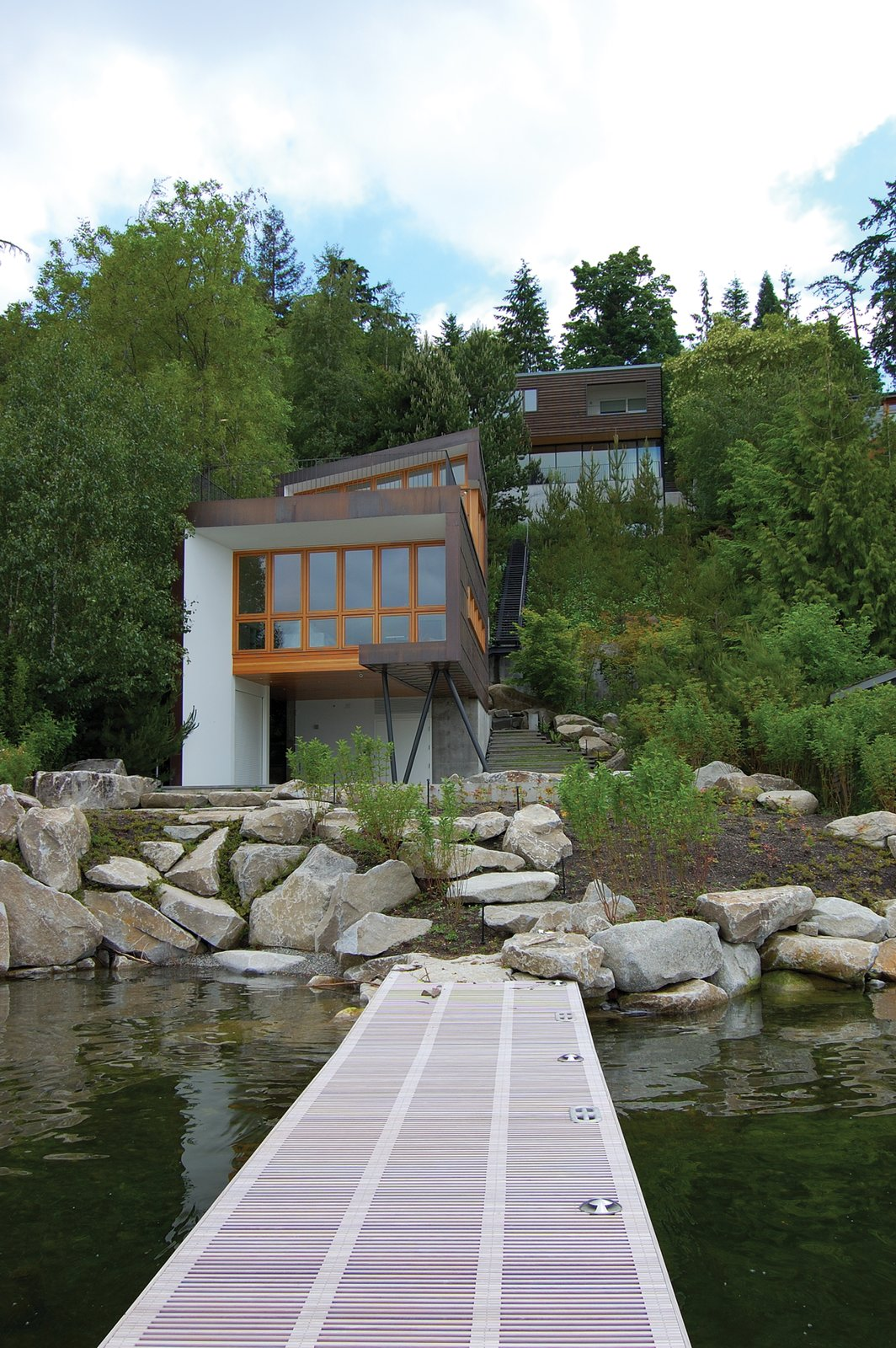 Tagged: Outdoor.  Guest House on a Lake by Robert Hutchison Architecture