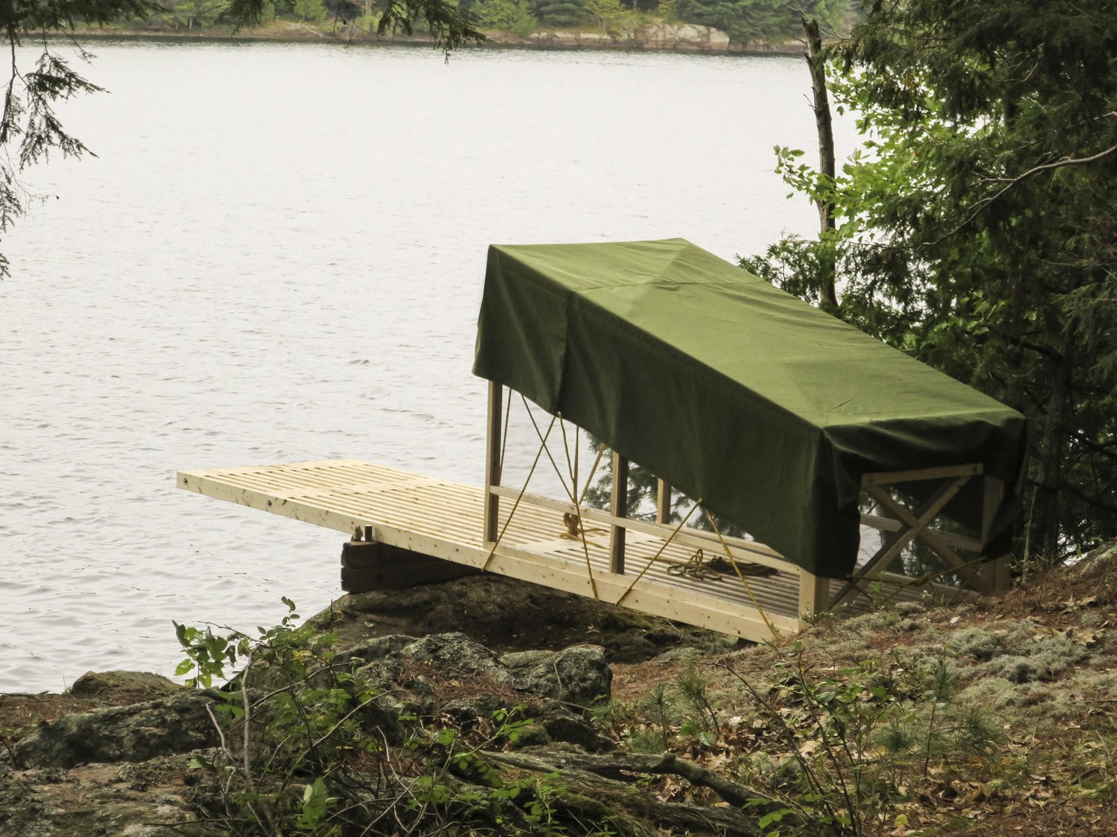 Photo 3 of 6 in Dream/Dive Platform Encourages Playful Summer Living