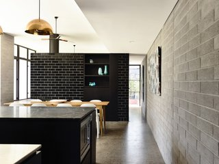 Old Meets New in This Modern Extension to an Edwardian House in Melbourne - Photo 6 of 10 -