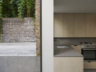 A Once-Derelict London House Restored With Modern Elegance - Photo 4 of 10 -