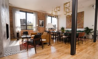 A New Chicago Bed-and-Breakfast Occupies a Former Publishing House - Photo 4 of 6 -