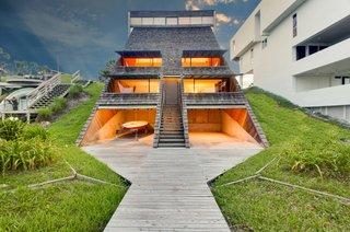 A Renowned Florida Architect's Geometric Family Home Hits the Market For the First Time - Photo 4 of 12 -
