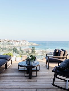 A Bondi Beach Penthouse Designed For Barefoot Luxury - Photo 8 of 8 -