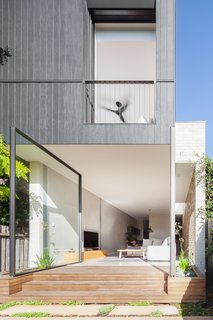 A Streamlined Addition Revives a Gloomy Victorian in Sydney - Photo 7 of 8 -