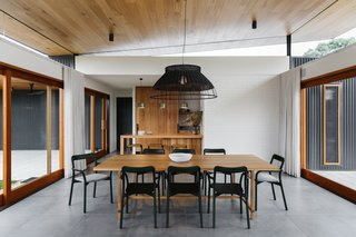 The Surrounding Countryside Inspires A Family Home In Australias Adelaide Hills