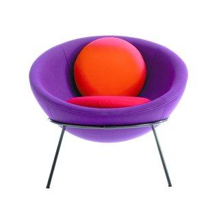 Modern Master Lina Bo Bardi's Bowl Chair Makes a Comeback - Photo 8 of 10 -