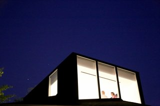 You Wouldn't Expect the Rooftop Addition on This American Foursquare in Portland - Photo 9 of 9 -