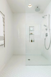 What's the Best Way to Save Space in a Small Bathroom? - Photo 4 of 14 -