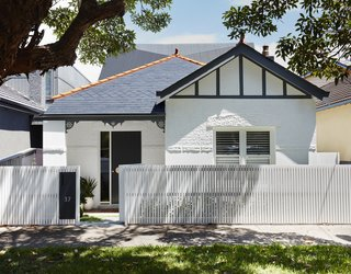 A Sleek, Two-Story Addition Hides Behind a Traditional Cottage in Sydney - Photo 1 of 12 -