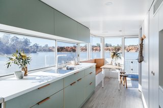 Life in This Renovated Houseboat Would Be But a Dream